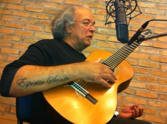 Arismar do Espírito Santo dá oficina musical e show em Rio Branco