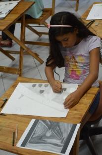 Aluna do curso de Desenho Básico para Crianças da Usina de Arte, encerrado em 15/07/2014.